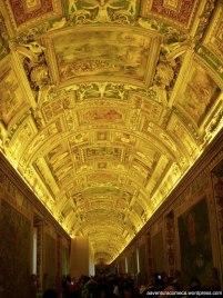 museu do vaticano galeria dos mapas teto