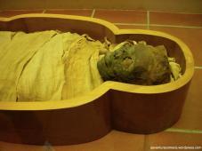 Múmia de uma mulher, Dinastia 21 (1070-945 aC)
