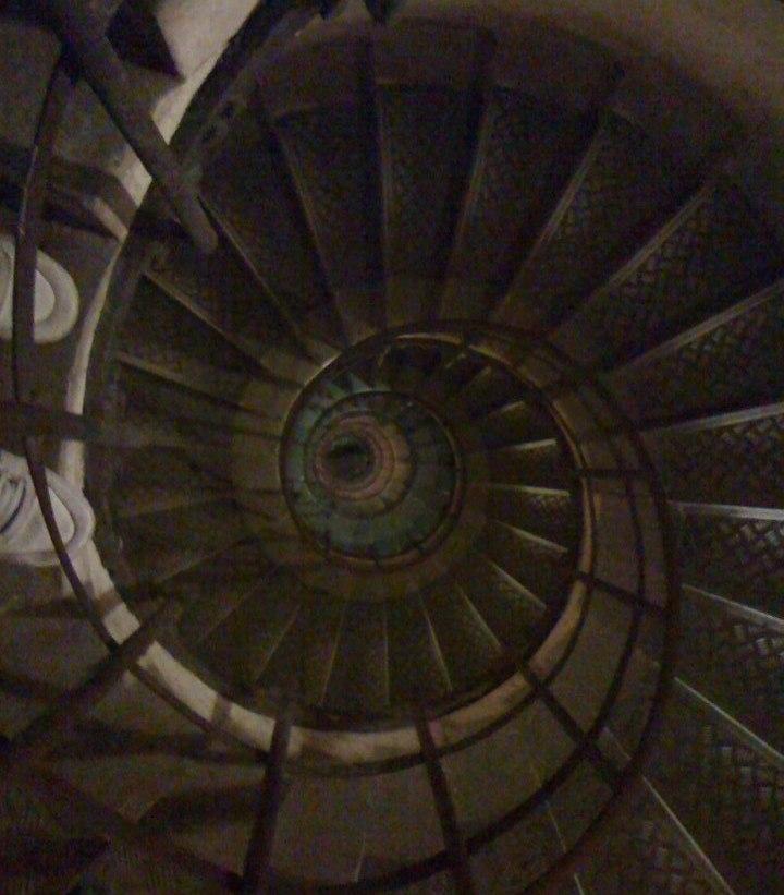 arco do triunfo escadas