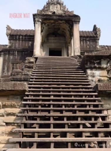 escadas angkor wat camboja